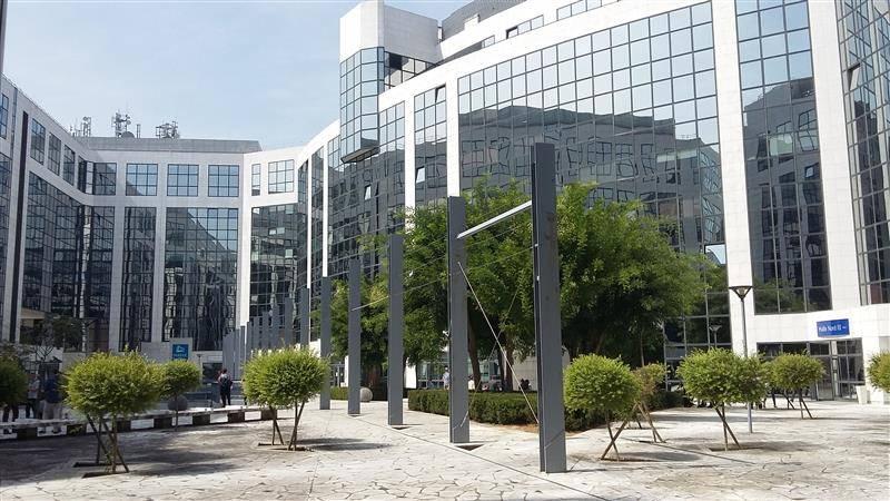 Location bureaux noisy le grand 93160 1 798m2 for Immeuble camembert noisy le grand