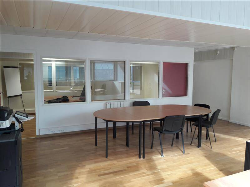 vente bureaux noisy le grand 93160 110m2. Black Bedroom Furniture Sets. Home Design Ideas