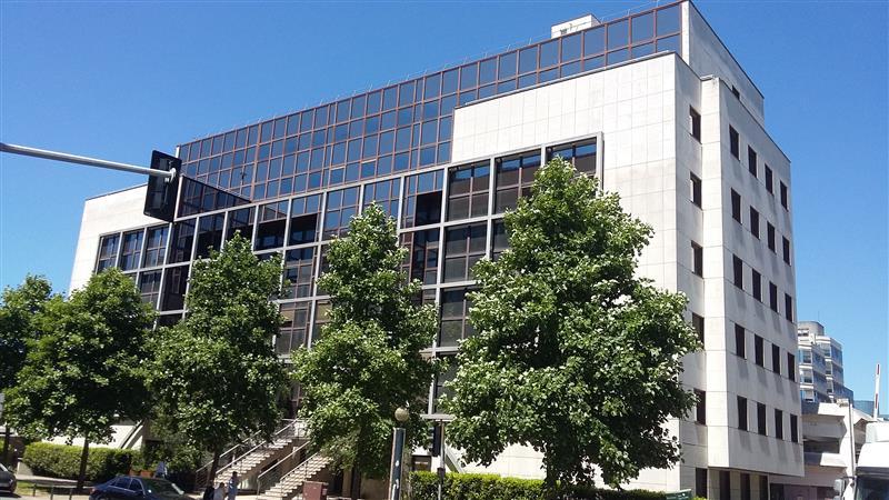 Le Fujy - Bureaux climatisés à louer ou à vendre sur le Quartier d'Affaires du Mont d'Est - Photo 1