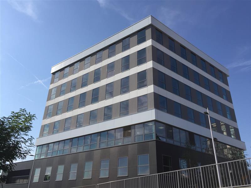 Bureaux PMR neufs et climatisés à vendre ou à Louer - Avant-Seine -RER C - A86 - Photo 1