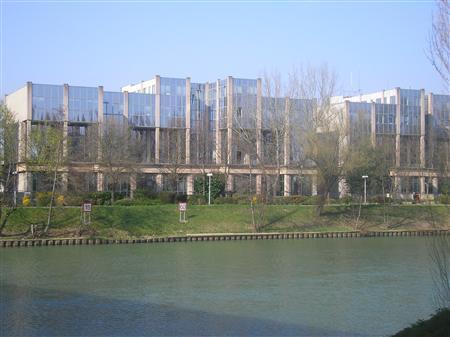 Bureaux rénovés à louer - ZAC DES BORDS DE MARNE - NEUILLY PLAISANCE - Photo 1