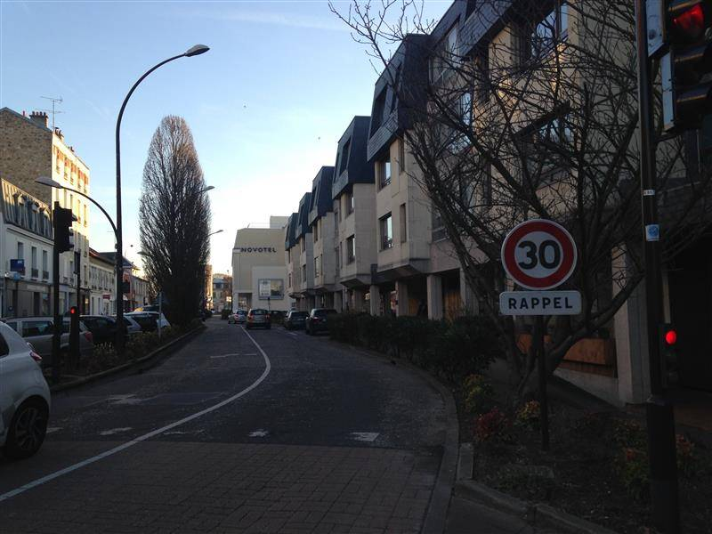 Commerces LE CHESNAY 78150