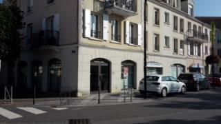 Commerces VOISINS LE BRETONNEUX 78960