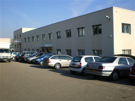 Bureaux à la location sur Plaisir à proximité de la Gare - Photo 1