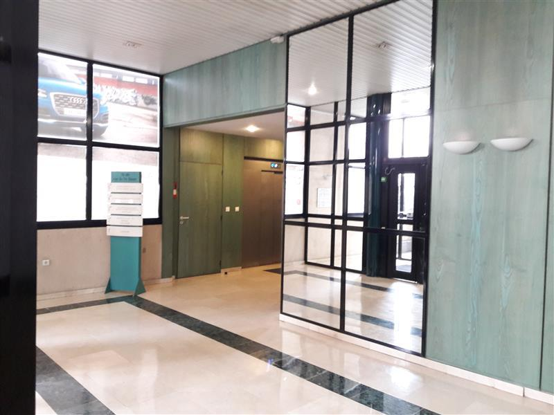 Bureaux - à louer à proximité du métro 13 Mairie de SAINT OUEN - Photo 1