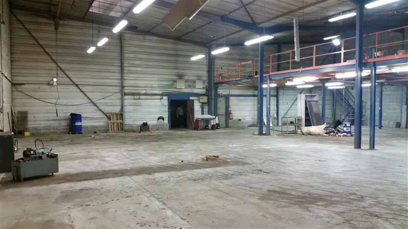 Local d'activités à vendre dans la zone Mitry-Compans - Photo 1