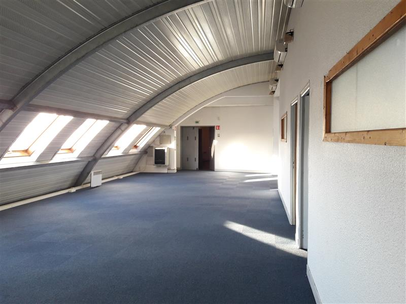 Bureaux à louer - M° Mairie de Saint Ouen - Photo 1