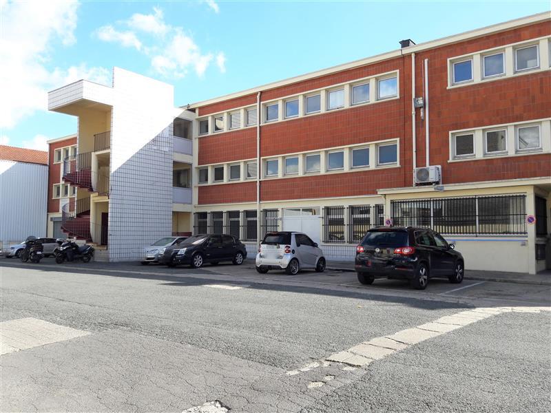 Locaux d'activités à louer à proximité de la station Aubervilliers-Pantin - Photo 1