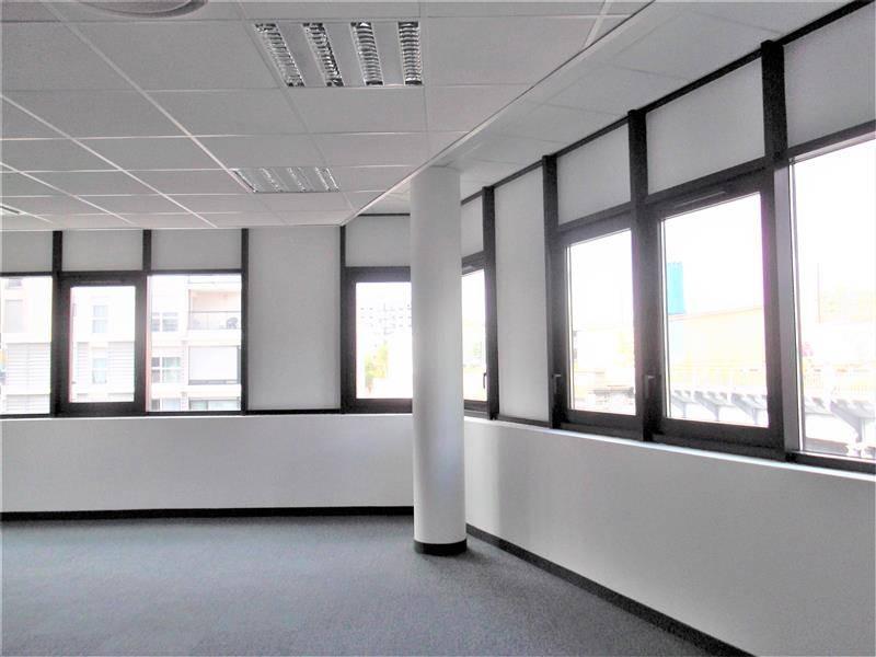 location bureaux lyon 69007 90m2. Black Bedroom Furniture Sets. Home Design Ideas