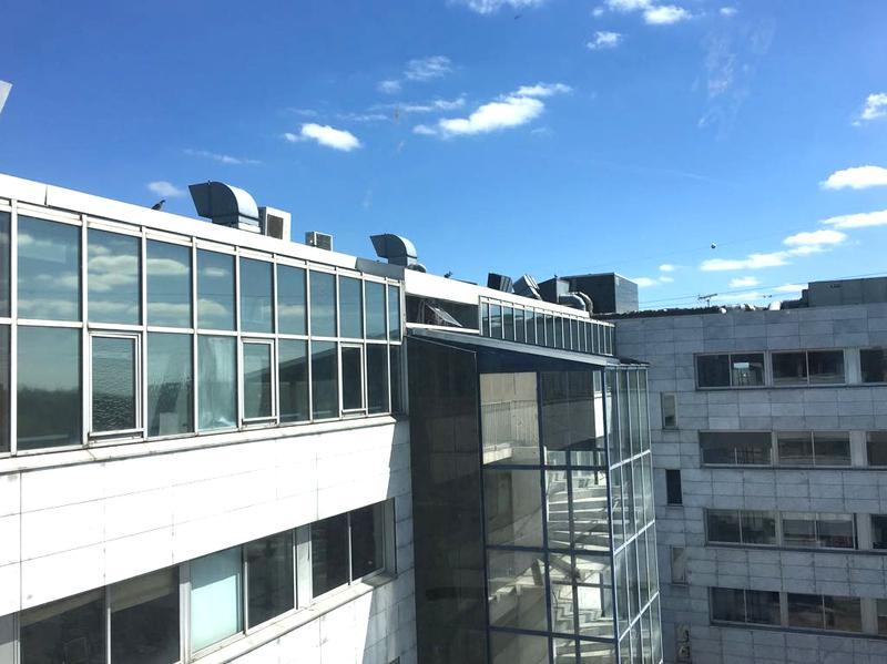 Plateau de bureaux avec vue dégagée rénové de 824 m² avec terrasses - Photo 1