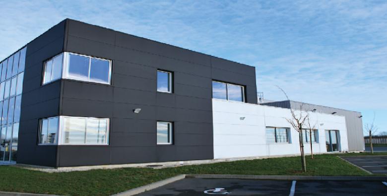 Bel entrepôt logistique à vendre ou à louer en Vendée à Sainte-Hermine