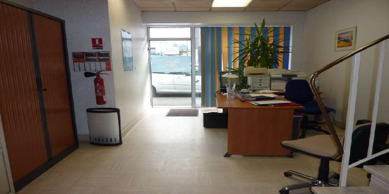 Immeuble de bureaux à louer en Bretagne à Pontivy - Photo 1