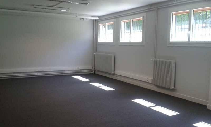 location bureaux rueil malmaison 92500 420m2. Black Bedroom Furniture Sets. Home Design Ideas