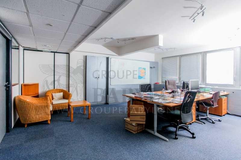 location bureaux suresnes 92150 58m2. Black Bedroom Furniture Sets. Home Design Ideas