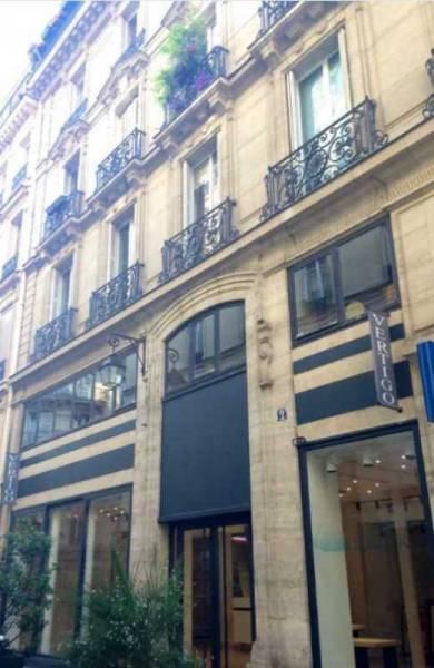 Location locaux commerciaux paris 75001 328m2 for Locaux commerciaux atypiques paris