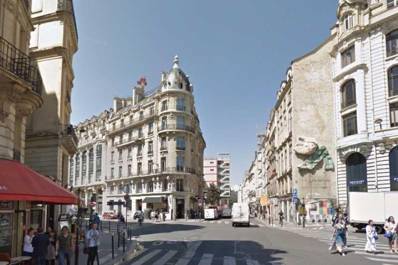 Location locaux commerciaux paris 75002 130m2 for Locaux commerciaux atypiques paris