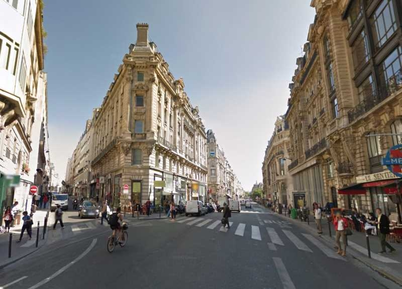 Location locaux commerciaux paris 75002 110m2 for Locaux commerciaux atypiques paris