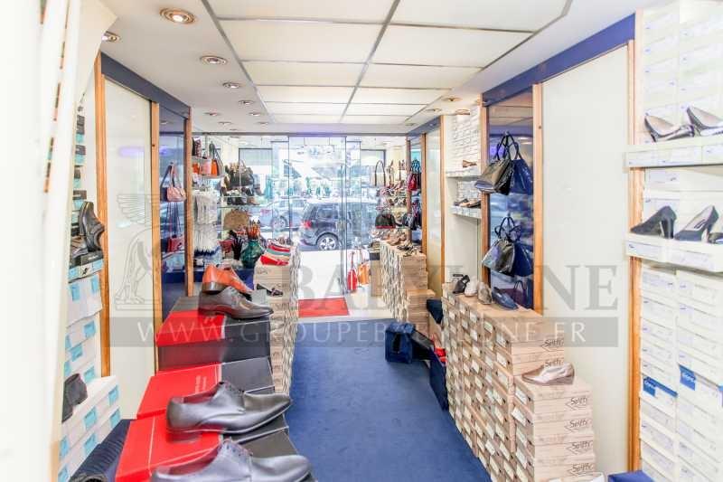 Location locaux commerciaux paris 75008 91m2 for Locaux commerciaux atypiques paris