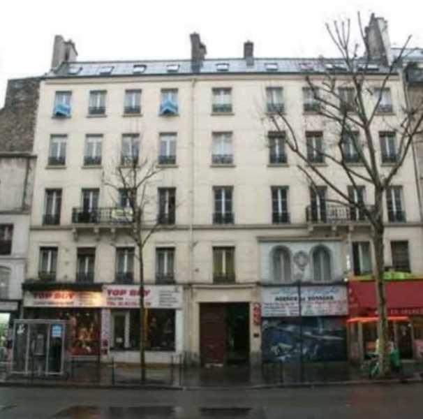 Location locaux commerciaux paris 75010 620m2 for Locaux commerciaux atypiques paris