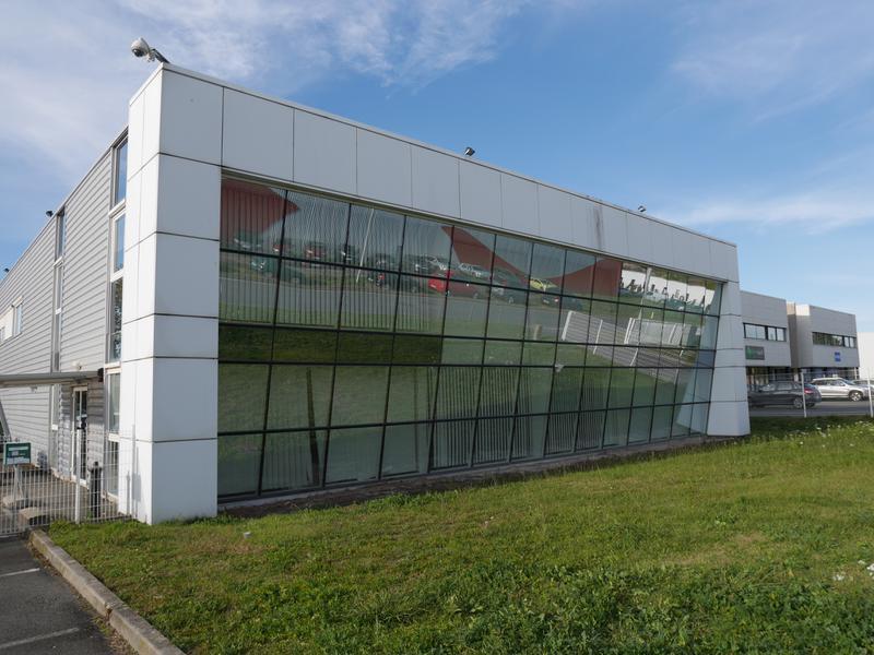 A louer - Bâtiment indépendant à usage mixte Bureaux-Activités - Photo 1