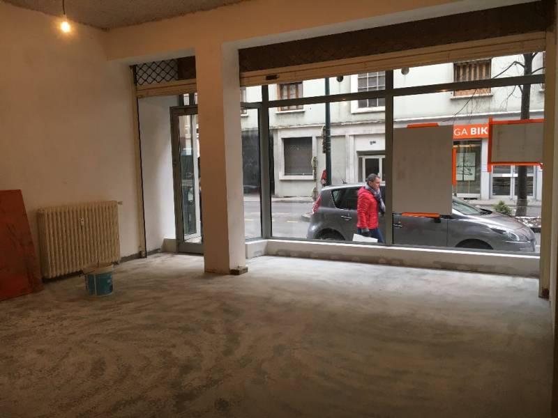 location entrep t annecy 74000 62m2. Black Bedroom Furniture Sets. Home Design Ideas