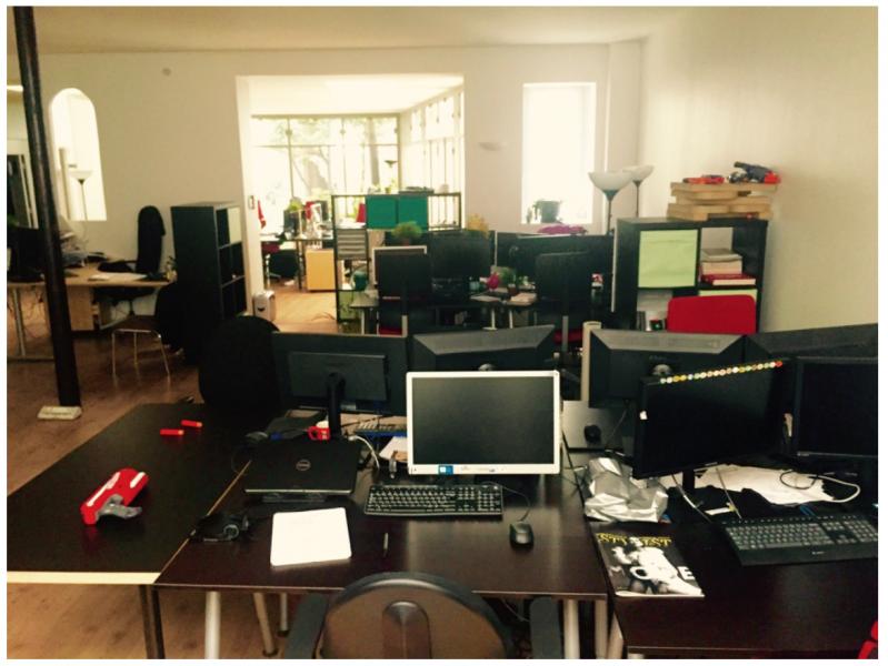 Location bureaux paris 18 75018 210m2 for Surface atypique paris