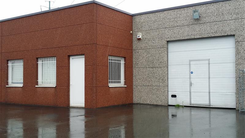 ZA DES RAVENNES - Surface activité / bureau disponible à la location ou à l'achat - Photo 1