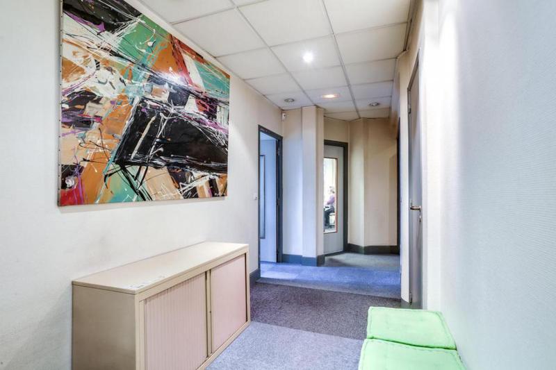 Bureaux à vendre de 250m2 - Photo 1