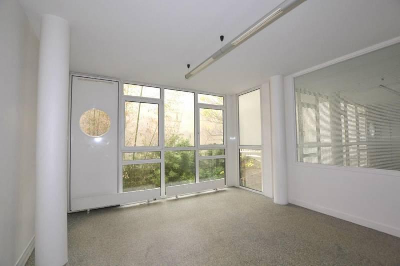 location bureaux paris 75017 100m2. Black Bedroom Furniture Sets. Home Design Ideas