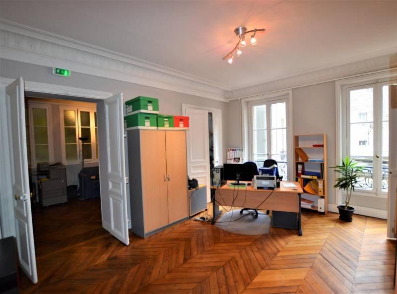 Location bureaux paris 75008 140m2 for Location bureau 13