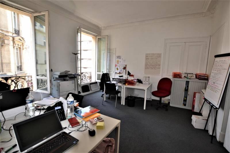 Location bureaux paris 75009 144m2 for Location bureau 13