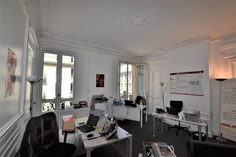 location bureaux paris 75009 144m2. Black Bedroom Furniture Sets. Home Design Ideas