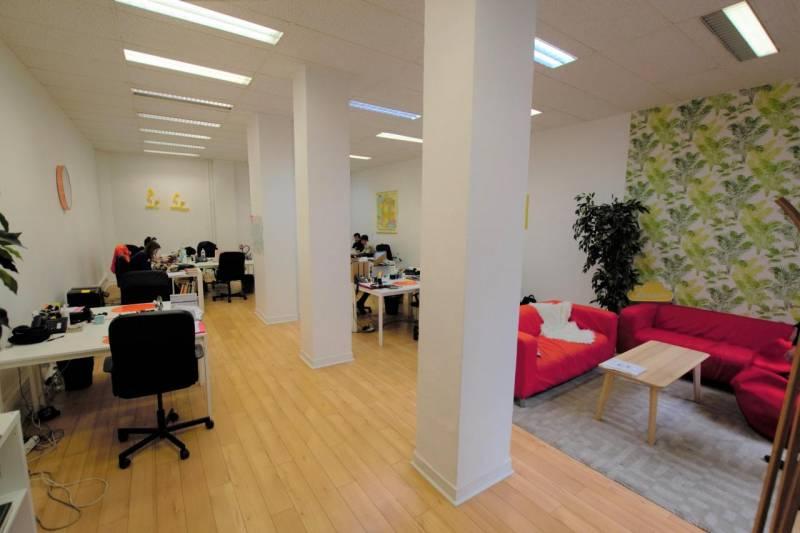 location bureaux paris 75002 150m2. Black Bedroom Furniture Sets. Home Design Ideas