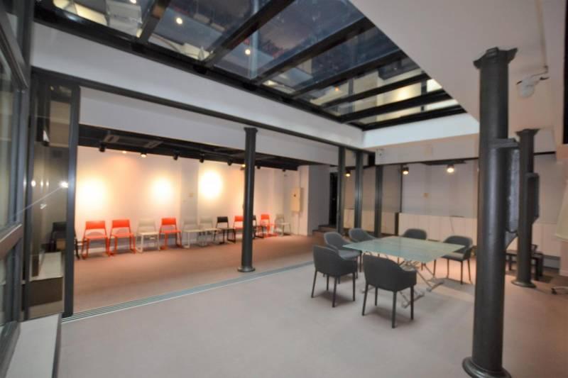Location bureaux paris 10 75010 242m2 for Location bureau atypique paris