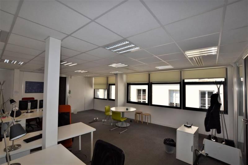 location bureaux paris 75010 118m2. Black Bedroom Furniture Sets. Home Design Ideas