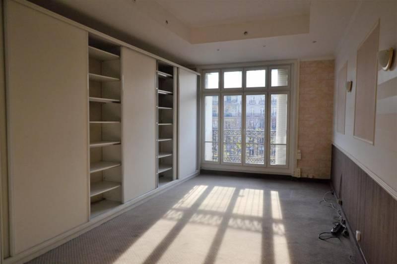 location bureaux paris 75008 44m2. Black Bedroom Furniture Sets. Home Design Ideas