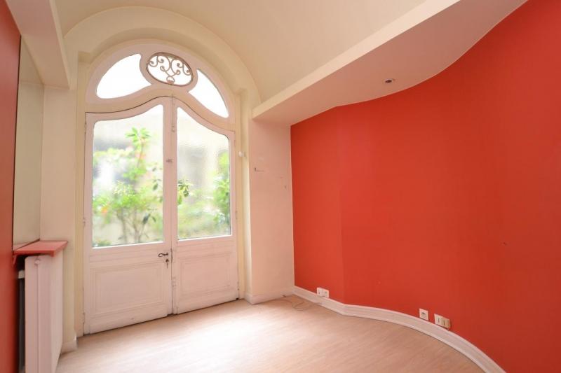 location bureaux paris 75008 55m2. Black Bedroom Furniture Sets. Home Design Ideas