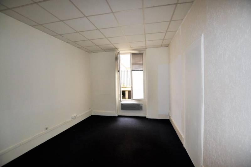 bureau de change saint lazare bureau de change st lazare 28 images bureaux lazare symphony. Black Bedroom Furniture Sets. Home Design Ideas