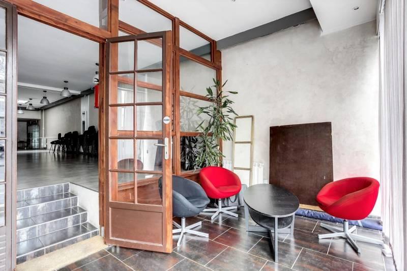 vente bureaux paris 75020 215m2. Black Bedroom Furniture Sets. Home Design Ideas