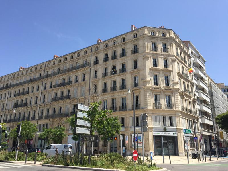 Bureaux et commerce à louer - Quartier Euromediterranée - Photo 1