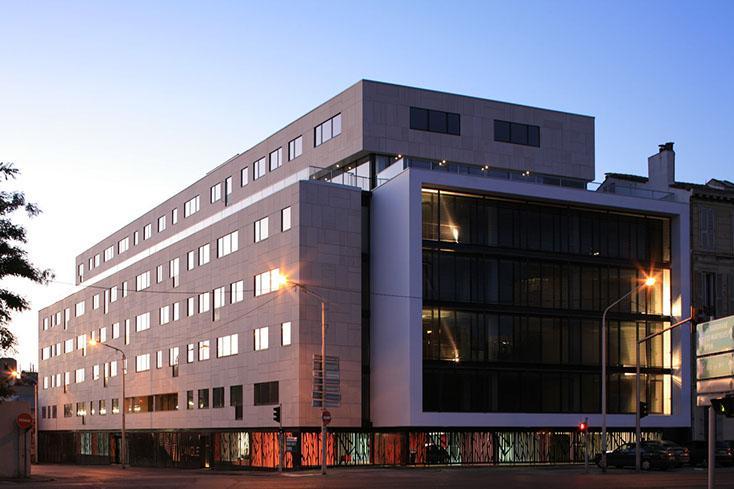 Bureaux rénovés à louer - 13002 Marseille - Photo 1
