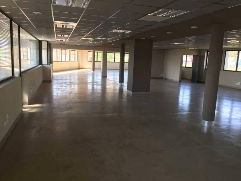 location bureaux marseille 13014 25m2. Black Bedroom Furniture Sets. Home Design Ideas