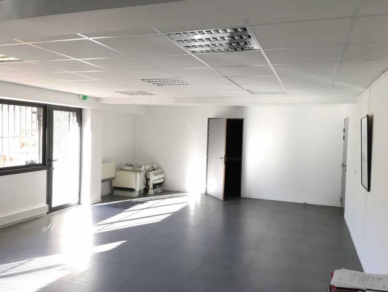 location bureaux marseille 13015 70m2. Black Bedroom Furniture Sets. Home Design Ideas