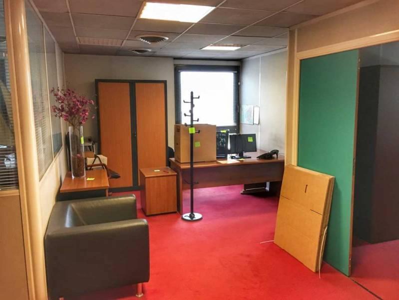 vente bureaux aix en provence 13090 81m2. Black Bedroom Furniture Sets. Home Design Ideas