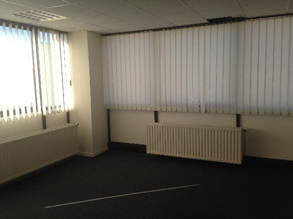 Bureau 75m² - Photo 1