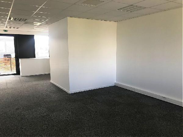 Bureau 100m² - Photo 1