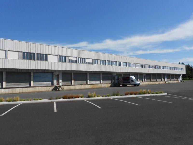 Entrepôt/Locaux d'activité rénovés et aménageables sur mesure - de 1350 à 4000 m2