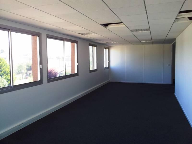 location bureaux nantes 44000 152m2. Black Bedroom Furniture Sets. Home Design Ideas
