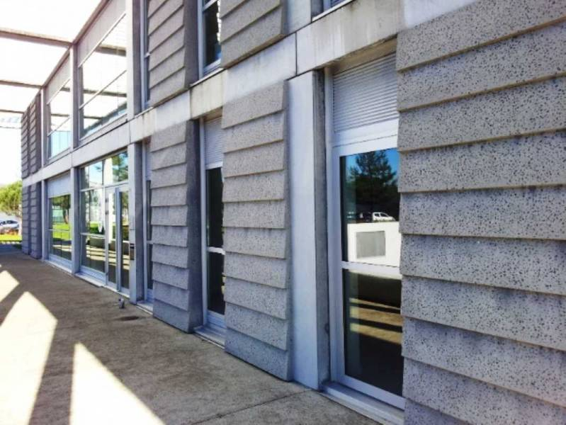 Location bureaux nantes 44300 219m2 for Location garage nantes 44300