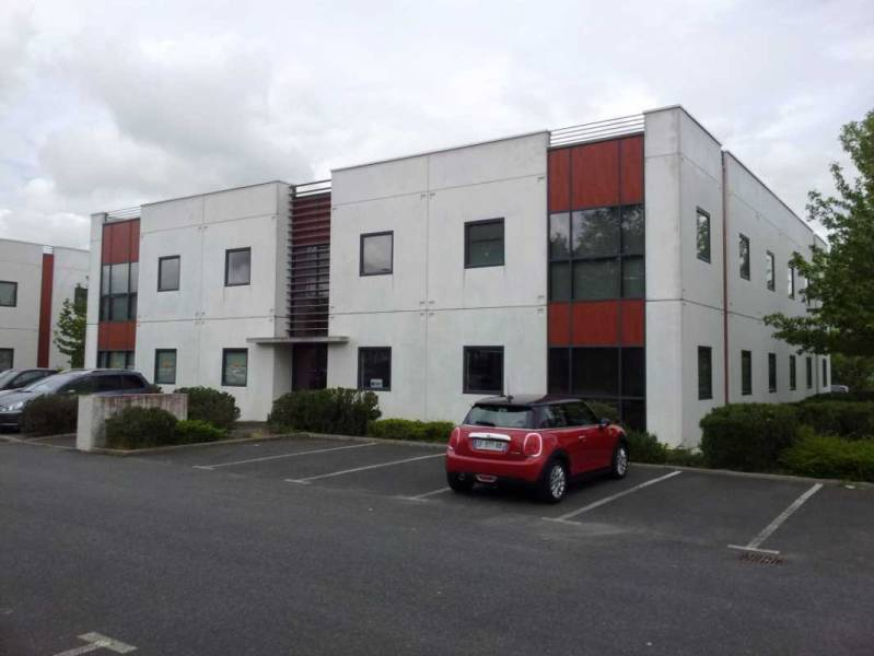 Location bureaux saint herblain 44800 100m2 for Location garage saint herblain